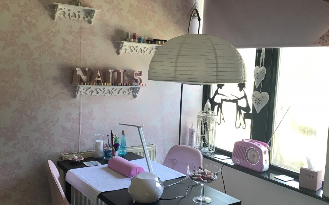 Tanning and Nail Room